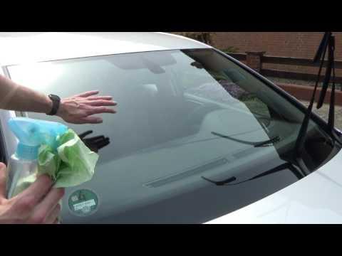 Autoscheiben und Windschutzscheibe richtig reinigen und putzen sauber machen Autoglas