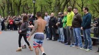 New York - Street Acrobat performance - Central Park - PART 1