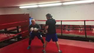 Шайба.kz / Кевин Даллмэн боксирует / Kevin Dallman boxing