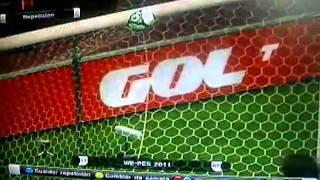 preview picture of video 'Balón pegajoso en PES 2011'