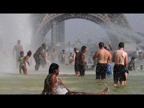 العرب اليوم - شاهد: تقلبات الطقس في أوروبا من الحرارة الشديدة إلى الأمطار الغزيرة