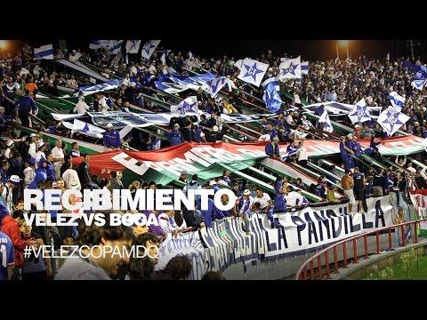 """""""#VelezCopaMDQ Recibimiento al equipo ante Boca"""" Barra: La Pandilla de Liniers • Club: Vélez Sarsfield • País: Argentina"""