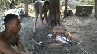preview picture of video 'Madagascar - Blacksmiths'