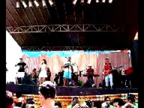MOV Dança da maozinha com Forró Na Boa em Moraújo