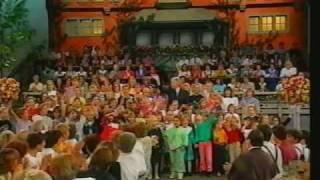 Gotthilf Fischer & Kinderchor - Wir wandern (Medley) (1993)