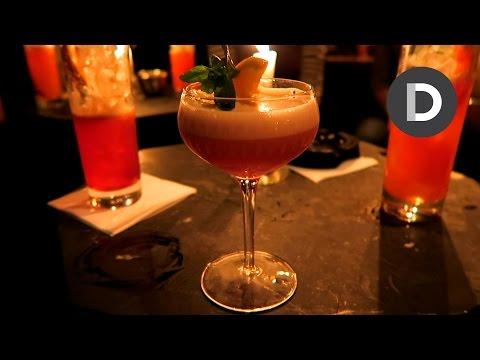Amazing Cocktails & Melanie Murphy! – VLOGMAS Day 11
