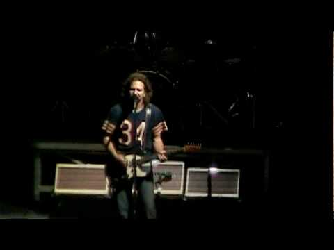 Pearl Jam - Insignificance (Newark '10) HD