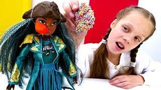 Куклы в Салоне красоты. Что с лицом Умы?!