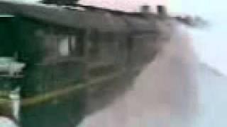 Застрявший поезд в буране
