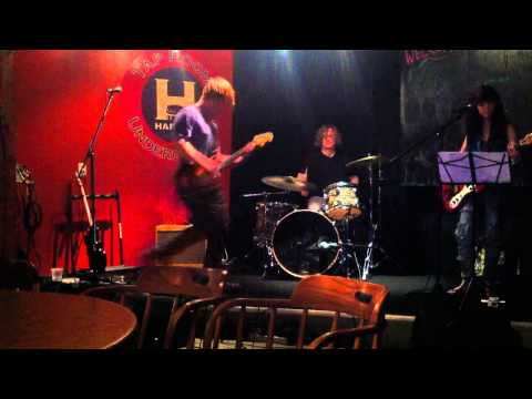 The Sherman Family - Love is Waiting (live at Harmon Tap Room)