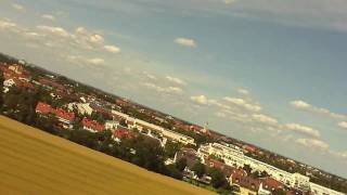 preview picture of video 'Flugvideo (HD Camera) mit Modellflugzeug bei München / Gräfelfing'