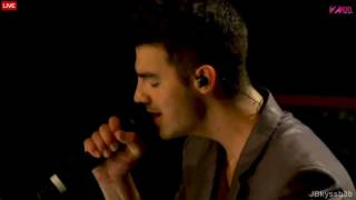 Joe Jonas - When You Look Me In The Eyes and Hello Beautiful live on Z100 2011