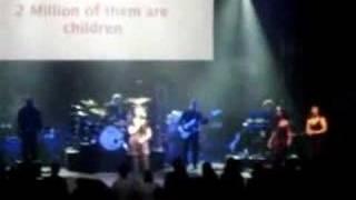"Annie Lennox ""Sing"" Live in Philadelphia 11-10-07"