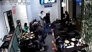 Video of restaurant fight over noisy child sparks cyberbullying of protagonists