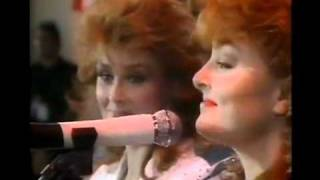 The Judds - Rockin' With The Rhythm   Mama He's Crazy