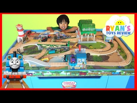 Thomas and Friends Wooden Railway Knapford Station Tidmouth's Tipping Bridge Ulfstead Signal Station