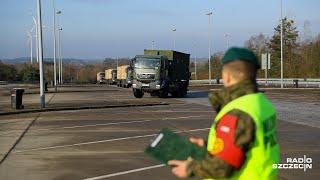 Niemieckie wojsko przekracza granicę w Kołbaskowie