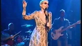 Annie Lennox - Wonderful (live on Parkinson 2003)