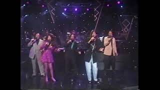 "5th Dimension reunited ""Aquarius Let the Sunshine In"" on Arsenio Hall"