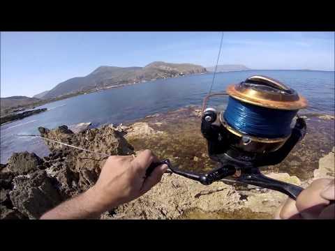 Russo che pesca in 3 ricerca di Podkamennaya Tunguska grayling