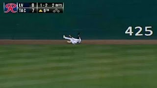 The Rainiers Boog Powell Makes A Great Catch
