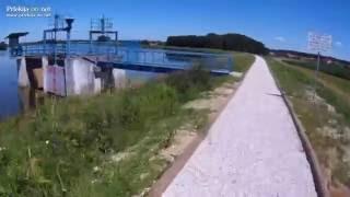 Pot po nasipu Gajševskega jezera