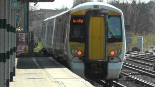 preview picture of video 'Two Southeastern Trains at Redhill 16/03/14'