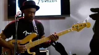 """Marcus Miller """"Michael Jackson - Billie Jean"""" @ Salon de la musique """"Music & You"""" (France - Paris)"""