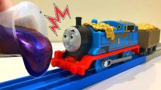 きかんしゃトーマスプラレール トラックマスター 踏切やトンネルにスライムでいたずら!電車 新幹線 トミカ Thomas&friend