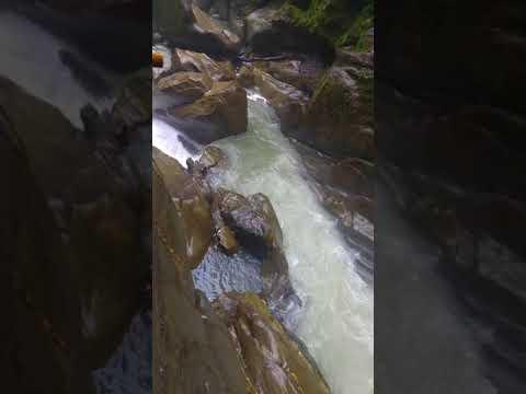 Cascada Pailón del Diablo, Baños de Agua Santa, Ecuador