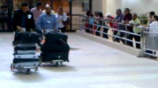 preview picture of video 'Llegada a Santo Domingo Aeropuerto Internacional Las Americas'