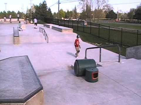 Riley Skatepark B Tour of Whole Park - Farmington Hills, MI Outdoor Skatepark