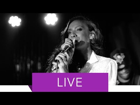 Y'akoto - All I Want (Comme Ci, Comme Ca) [Live in Berlin]