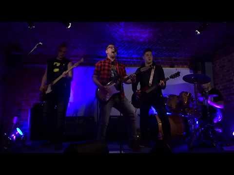 Lepiej Nie Będzie - Kapslami W Niebo (Pull The Wire cover) LIVE