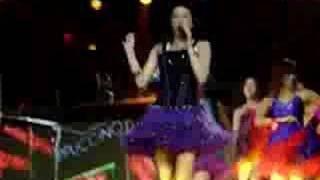 """MILEY CYRUS DETROIT 1/11/08 """"LETS DANCE"""" close up"""