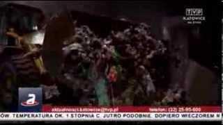 preview picture of video 'Komart Knurów otwarcie nowoczesnej kompostowni 18 luty 2014 z śmieciarkami NTM w tle KOMUNAL TRUCK'
