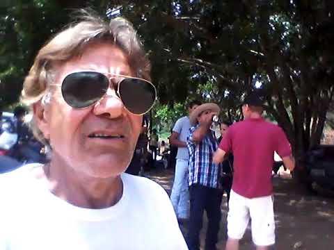 Repórter Paulo Maciel vê festa com sanfona no Queixada, Baixo Guandu 26-11-17