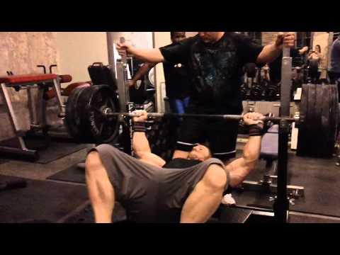 Raw 520lb bench press of 2 board Garrett Gunz Griffin Team Force Factor