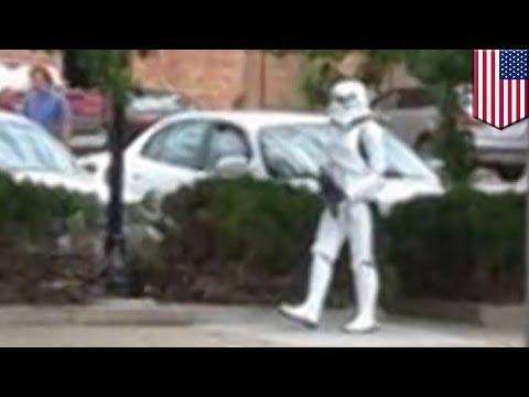 Hombre con disfraz de Stormtrooper causa revuelo cuando sujeto lo confunde con un asesino en serie