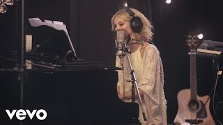 Delta Goodrem - A Year Ago Today (Acoustic)