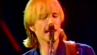 Tom Petty and the Heartbreakers - One Story Town 1983