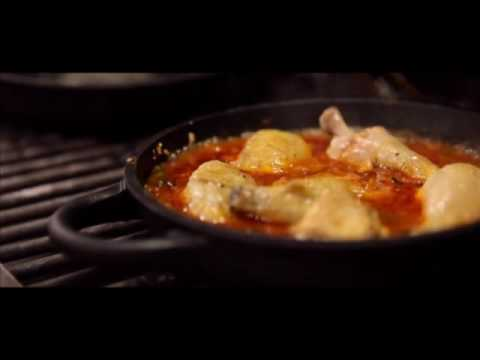 Video Chicken callabrese Charcoal oven - Engels
