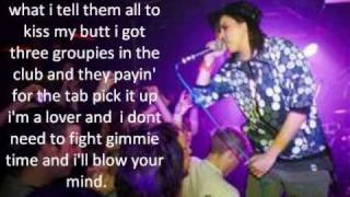 Lady Sovereign Love Me or Hate Me Feat. Missy Elliot
