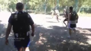 ВСУ в часы затишья играют в футбол в бронежилетах весом в 13 кг