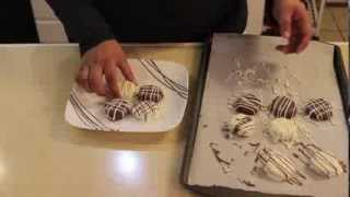 Easy Chocolate Covered Oreos