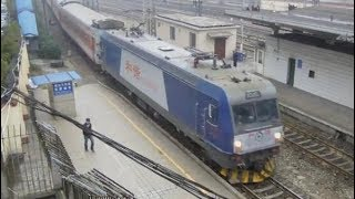 preview picture of video 'HXD3C, China Railway中国铁路(ChangSha to ChengDu Train)'