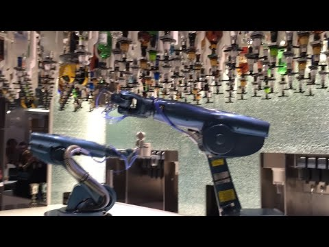 Bionic Bar! Robotic Bartenders Mix Drinks on Quantum of the Seas – Royal Caribbean