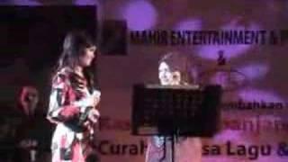 "Video thumbnail of ""Bisikan Hati - Siti Nurhaliza & Siti Salmah"""