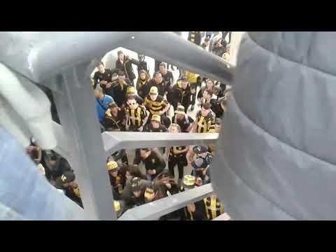"""""""HINCHADA DE PEÑAROL  VS FÉNIX"""" Barra: Barra Amsterdam • Club: Peñarol"""