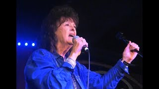 Leona Williams - Yes Ma'm, He Found Me In A Honky Tonk